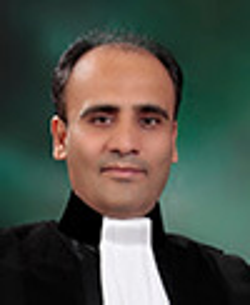 مجید عابدی وکیل