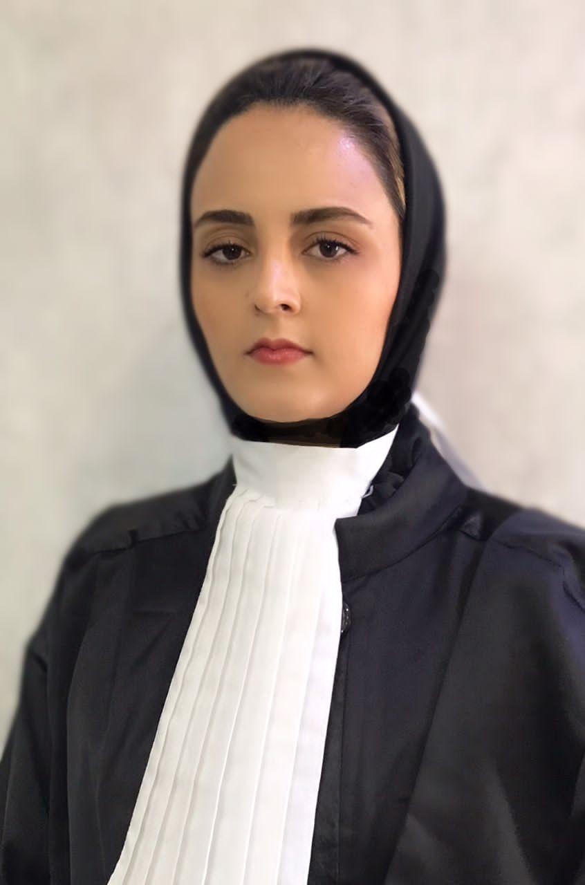 زهرا غلامي وکیل
